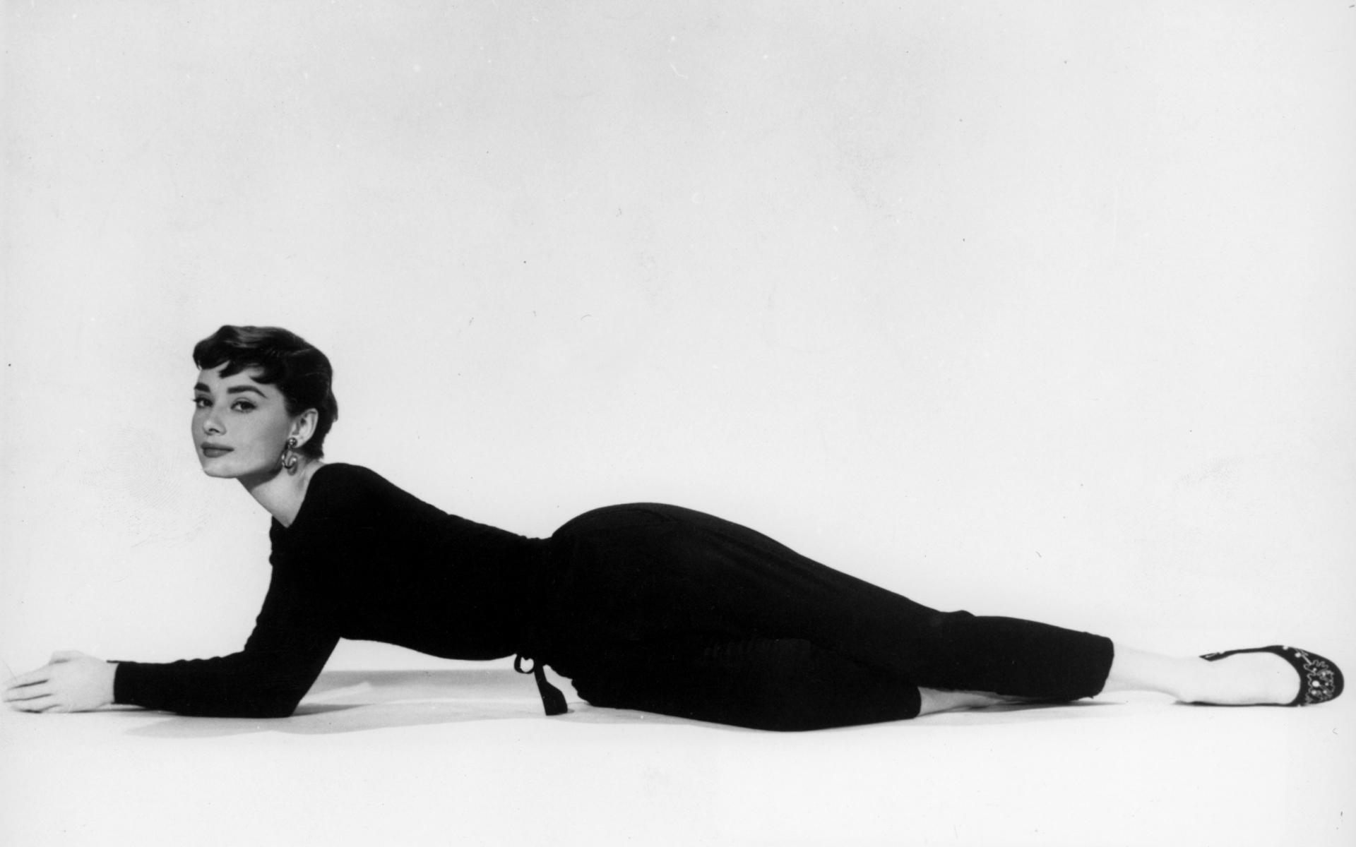 Audrey Hepburnla Exposición En Londres 2015 Magazine Horse